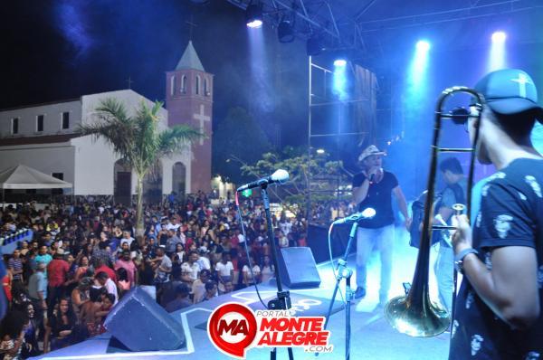 Forró Bandido, Gil Mendes e Tetezinho atraem multidão no encerramento dos Festejos de Monte Alegre-PI.