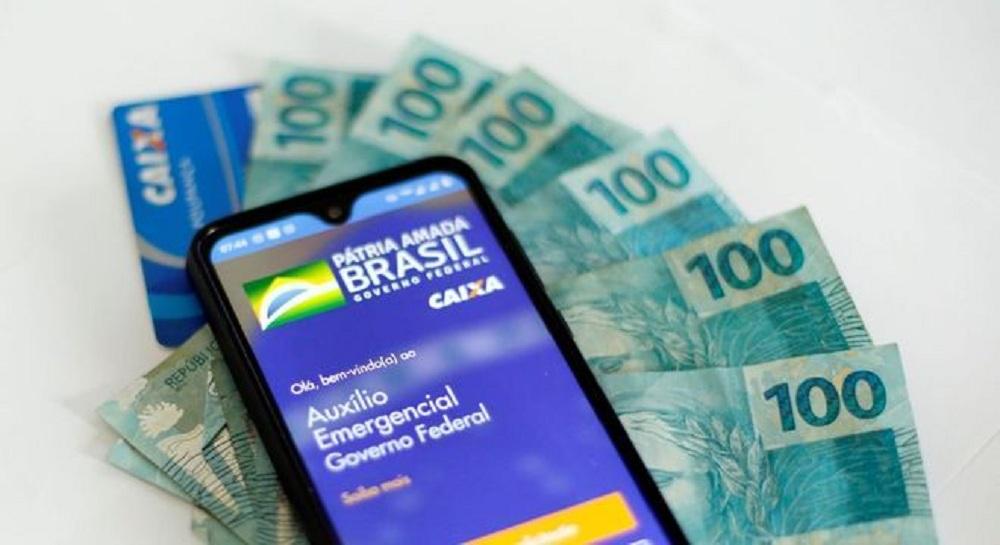 Caixa começa a pagar 3ª parcela do auxílio de R$ 600 neste sábado