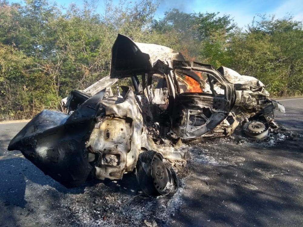 Monte Alegre| Duas pessoas morrem carbonizadas em acidente na BR 135 no Piauí