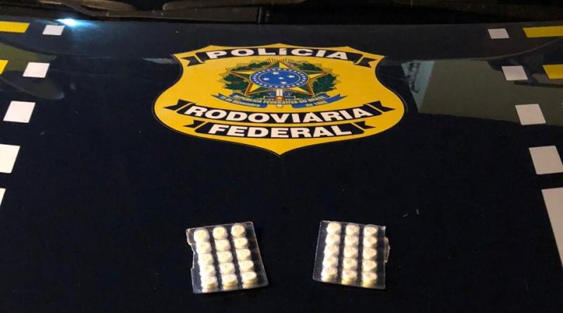 PRF Autua caminhoneiros por estarem portando anfetaminas para consumo