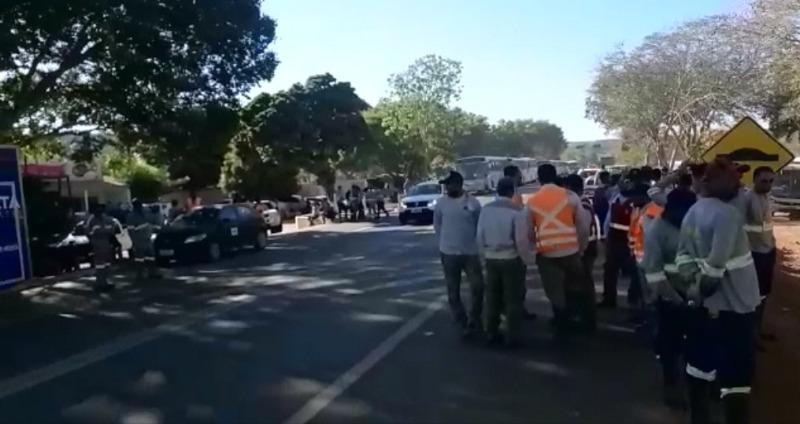 Trabalhadores da Usina Solar de São Gonçalo protestam por direitos trabalhistas